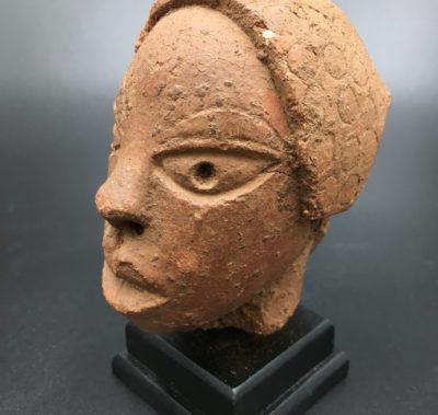 Head of dignitary Nok