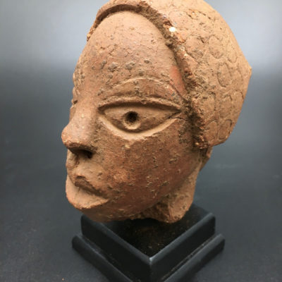 Head of dignitary Nok
